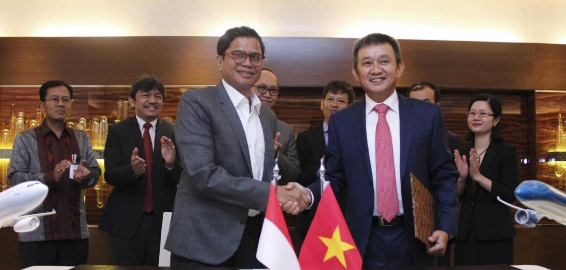 Garuda Indonesia dan Vietnam Airlines Memperkuat Kerjasama