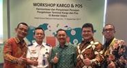 Beberapa dari peserta workshop (kiri-kanan) : Heru Legowo, mantan Direksi Gapura, P. Nasir, KaDit Kampen, T. Burhanuddin, Sekjen INACA, Wendo Rose, DirOps AP I, dan Wisnu Daryono, DirOps AirNav.