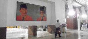 (ilustrassi): Foto Soekarno-Hatta kini tampak di gedung ermnaal 3 bndara Sokrno-Hatta. Banadara ini bukan saja akan menejdi kbanagggaan Jakarta, tetapi juga kebanggaan ndonesia.(Foto:AH)