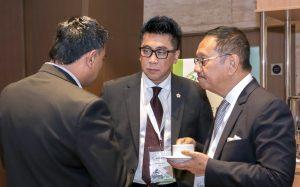 Chairman of INACA Cargo Flight, Boyke Soebroto (center) and INACA Secretary General Tengku Burhanuddin (right) attending the Summit. (Photo:Tiaca)